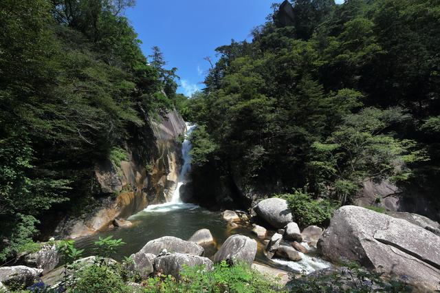 【甲府昭和温泉】ビジネスホテルで入れる源泉かけ流しの温泉
