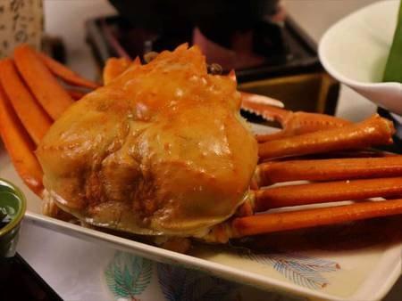 紅ズワイ蟹一杯付と国産牛サーロイン/地元名産『紅ズワイ蟹』/一例