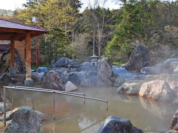 【パシフィック温泉ホテル 清龍園】静かな山間にある「上の湯温泉郷」。豊富で上質な湯を誇る温泉宿