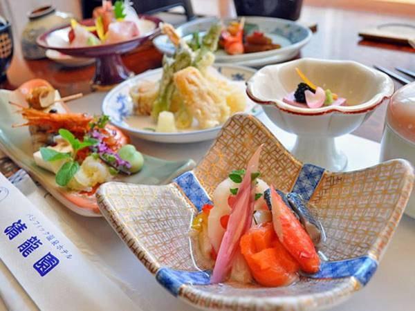 【お料理・酢の物/例】焼き帆立・サーモン・鰯・蟹・トマト・蓮根・茗荷の子・木の芽