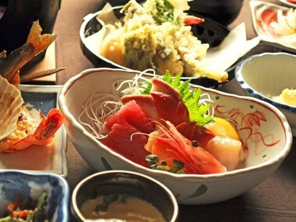 【夕食/例】四季折々の旬の素材を使った料理をお届けします(スタンダード夕食イメージ)