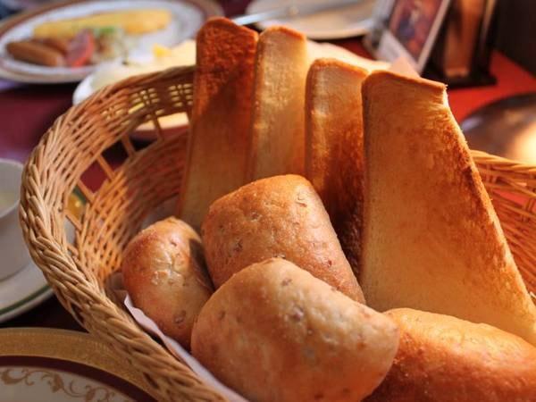 【ご朝食一例】良い香りで目覚める朝♪洋食メニューをご用意いたします。