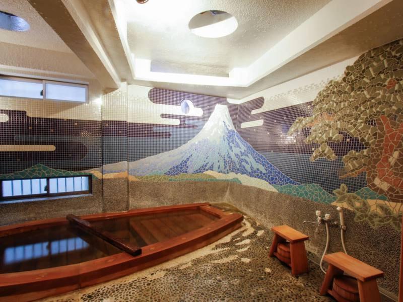 斎月の湯/貸切風呂の中で一番大きな船の形をしたお風呂