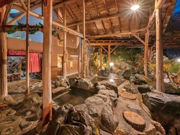 【老神温泉 伍楼閣】眺望の良いお風呂が充実!4つの露天風呂・2つの内湯が好評のお宿。