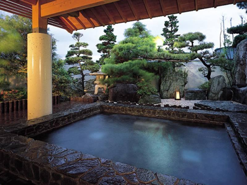【庭園露天風呂】