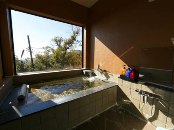 客室の寝湯