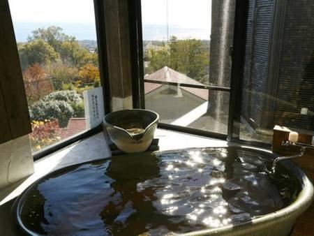 相模湾を望む温泉展望風呂付き客室