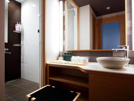 庭園側 標準和室(温泉シャワーブース付)/一例