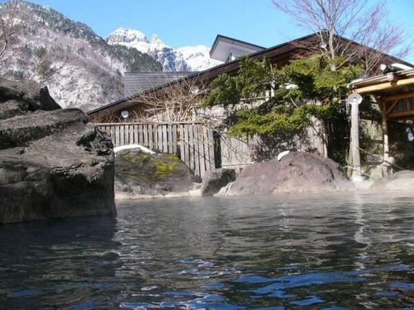 【新穂高温泉 ペンション ヨーデル】北アルプスの懐深く大自然に抱かれた秘湯の宿。お夕食には飛騨牛が楽しめます。