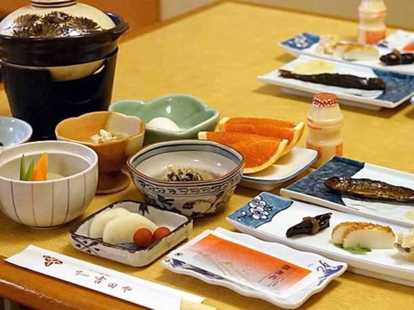朝食は和食膳/一例