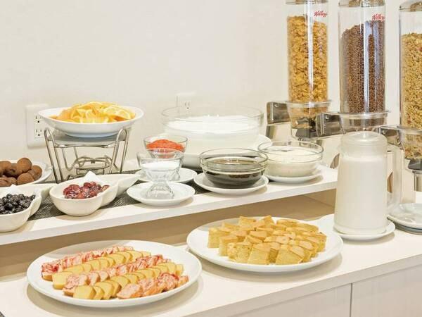 【朝食/例】シリアルや各種デザートも