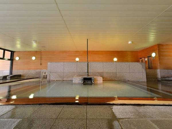 【旭岳温泉 ホテルベアモンテ】大浴場と岩造りの露天風呂でかけ流しの温泉を満喫!夕食は地産地消の食材を取り入れた料理をご用意♪