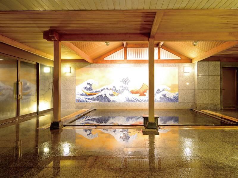 【男性和風呂(かけ流し)】落ち着いた雰囲気とどこか懐かしい壁画の和風呂