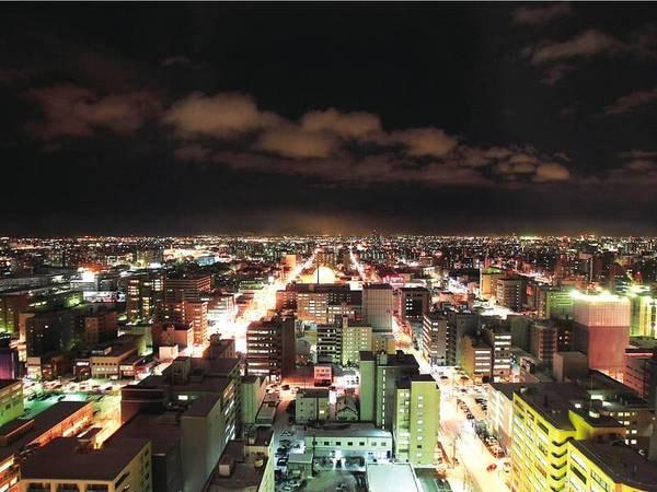 【部屋からの眺望/例】客室は16階以上、札幌の夜景を望む