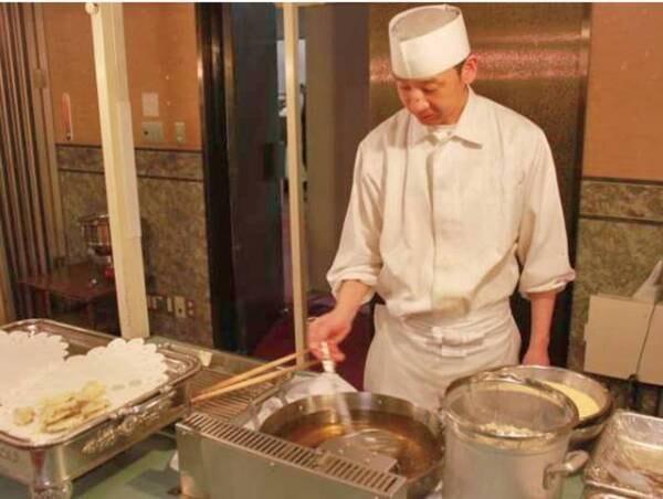 【和洋中ビュッフェ/例】オープンキッチンでは揚げたての天ぷらを