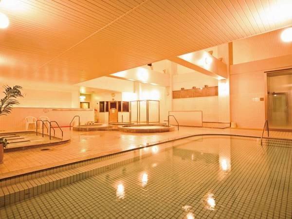 【大浴場】サウナ併設の種類豊富な大浴場
