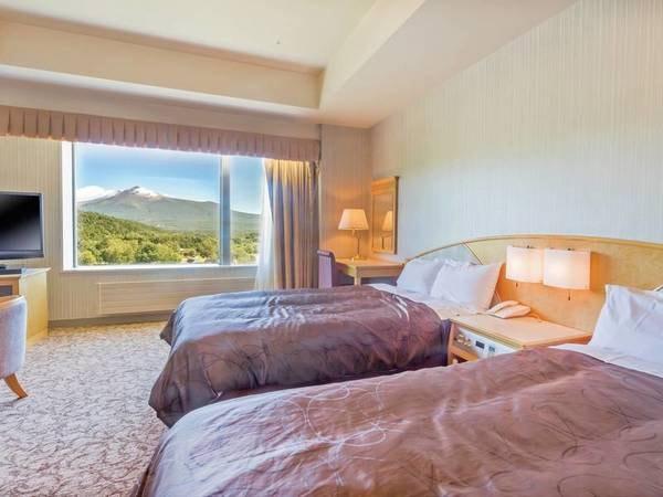 【洋室/例】広さ36平米のお部屋。駒ケ岳の雄姿を眺められる