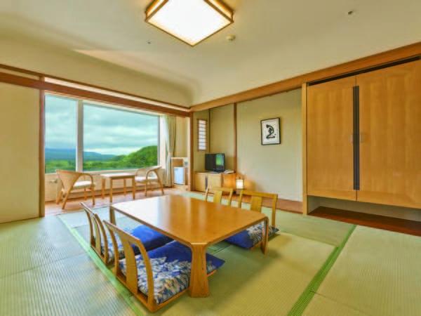 【和室/例】広さ10畳のお部屋。駒ケ岳の大自然を一望!