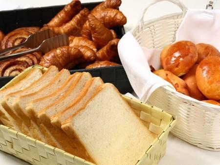 富良野のお母さんが焼く手作りパンも朝食のオススメ♪