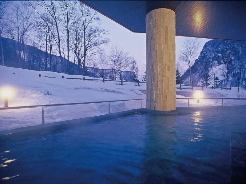 【天華の湯・冬】湯けむりにけむる露天は冬ならでは
