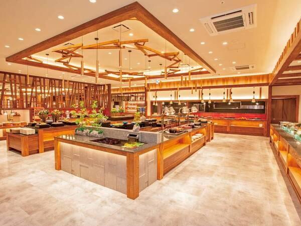 【食事会場】レストラン「HINNAの森」で種類豊富なビュッフェをお楽しみください