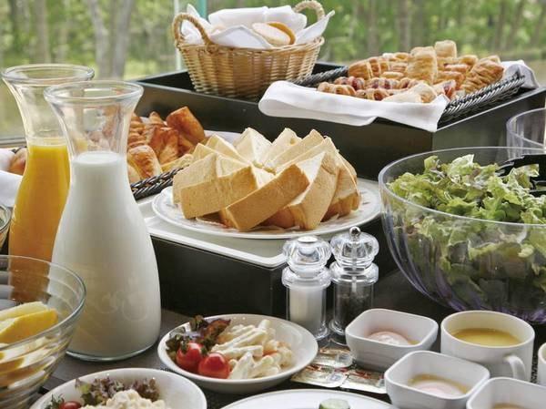 【朝食/例】朝食も種類豊富なビュッフェメニュー
