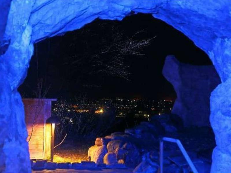 【青の洞窟風呂】夜景を眺める