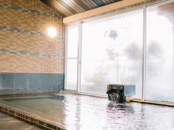 【津南駅前温泉 花とほたる 湯のさと 雪国】悠然と流れる信濃川のほとりに佇む、手作りがいっぱいの和風旅館