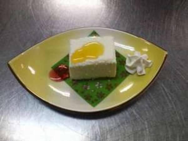 手作りスウィーツ『桃の香りのレアチーズケーキ』