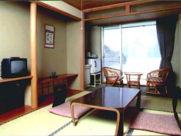 【客室/例】7.5~10畳+広縁の本館和室にご案内