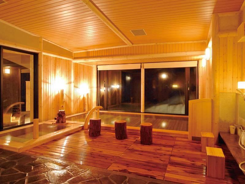 【大浴場】気品香る古代檜は、肌に優しく癒し効果も十分