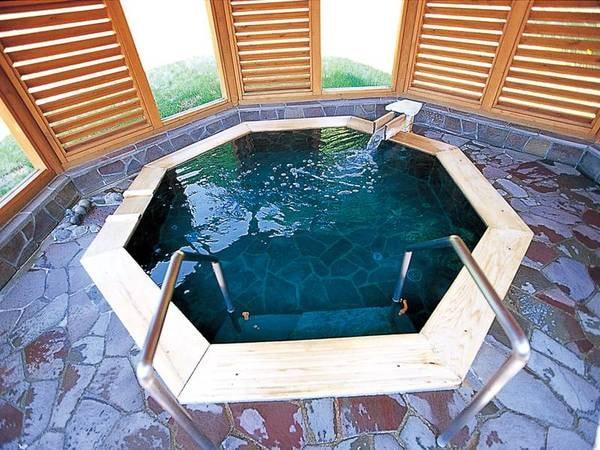 【女子露天風呂/ハーブ湯】ハーブアロマの温泉でゆったり