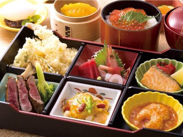 【夕食/例】◆魚介と旬野菜の天ぷら◆鮭いくら丼◆カットステーキ◆お刺身三点盛など約11品