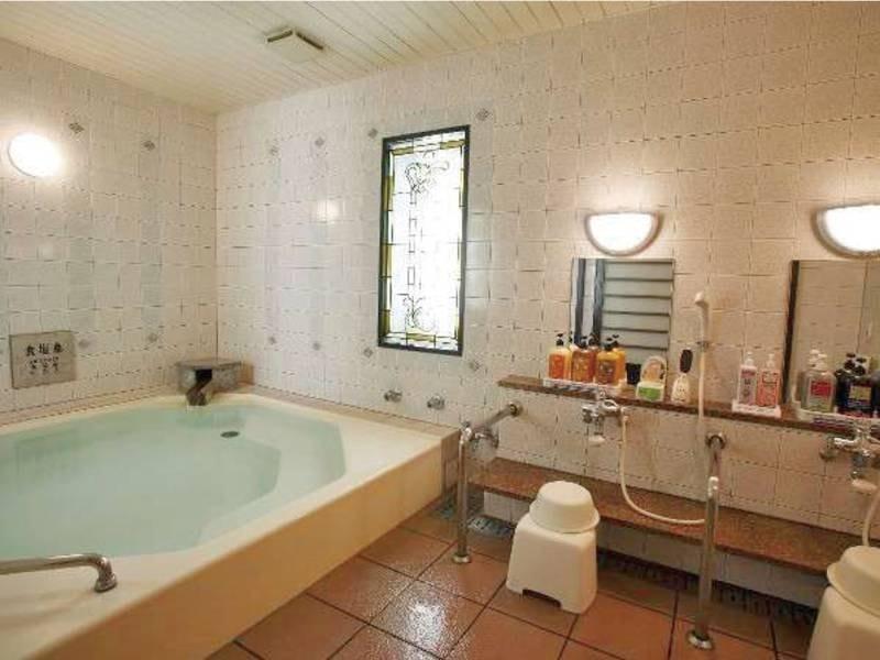 【温泉家族風呂】他のお客様に気兼ねせずのんびりできる貸切の温泉も(有料)
