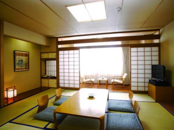 【10畳和室/例】大人数でも快適!広さゆったり落ち着いたお部屋