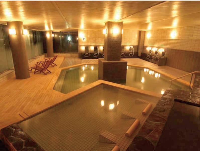 海王の湯:棚湯や寝湯もあり、いろんな湯殿で温泉を満喫