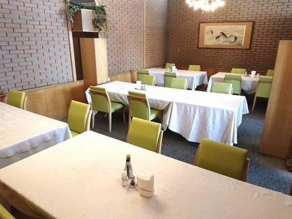 1F レストラン「ユーカラ」