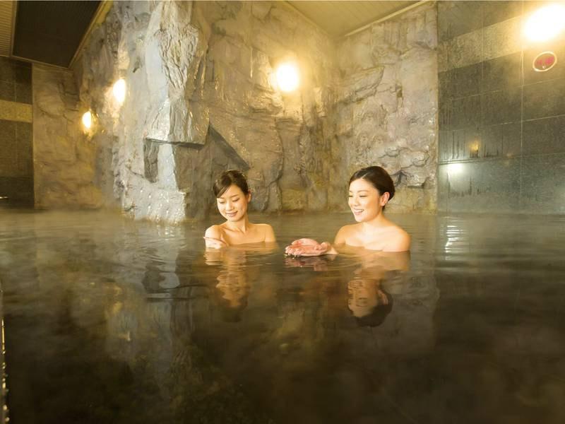 【大浴場】駅前でモール温泉を満喫!肌にしっとりなじむ美人の湯♪