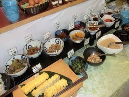 朝食は和洋バイキング(写真一例)またはお膳セット※選択不可