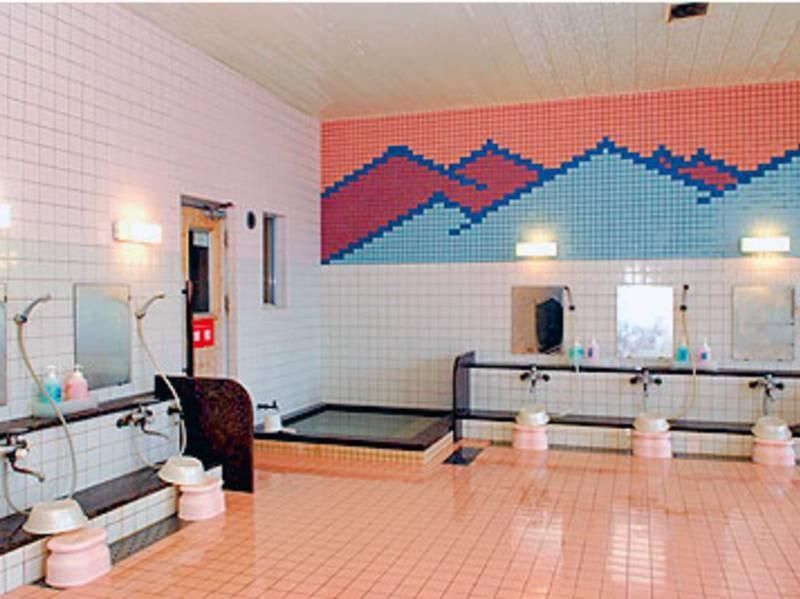 【大浴場】広々とした洗い場