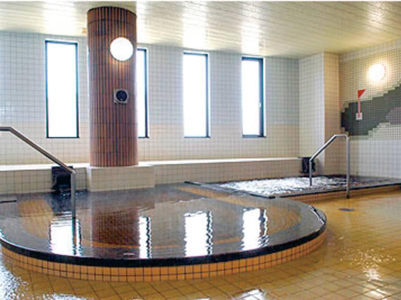 【男性大浴場】ジャグジー、水風呂、サウナも完備