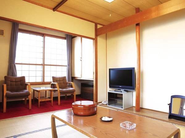 【和室/例】手入れの行き届いた本館6~8畳の和室。夕食もお部屋で楽しめる