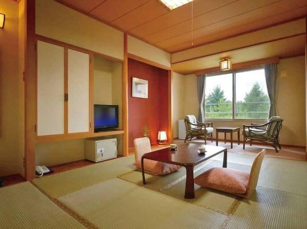 【和室10畳/例】手入れの行き届いた、スタンダードなタイプのお部屋
