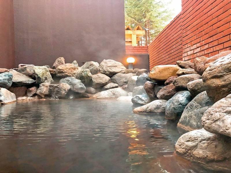 【露天風呂】モール温泉を楽しめる露天風呂でゆったりと
