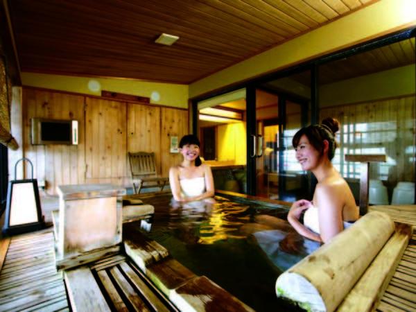 【露天風呂付き客室/例】お部屋の専用露天風呂で温泉三昧!