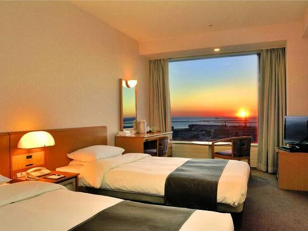 【客室/例】23.08平米のツインは太平洋に面し釧路港の夕日を望む※全室Wi-fi完備