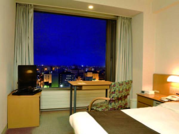 【客室/例】お得に宿泊できる15.45平米のシングルルームからは釧路市街を見渡せる