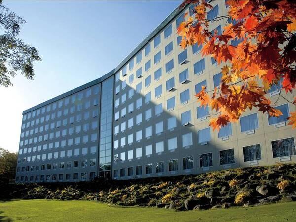 【外観】秋の屈斜路プリンスホテル