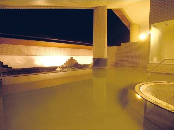 【露天風呂】夜はしっとり落ち着いた雰囲気