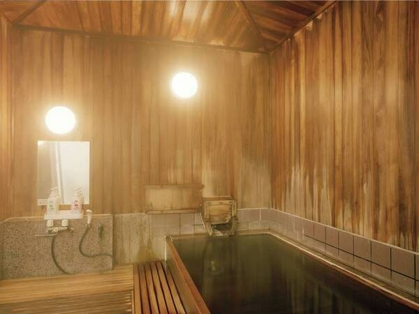 【貸切風呂 十和田・奥入瀬】檜の香りが漂う落ち着きのあるお風呂※有料